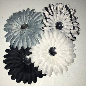 NWOT Set of 4 Winter Flower Gem Hair Clips
